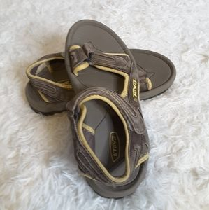 3/$30 Teva beige tan sandals velcro closure sz 8